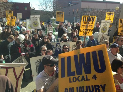 Several hundred ILWU members and supporters marched to Mitsui-United Grain's Vancouver headquarters on March 8, 2013.